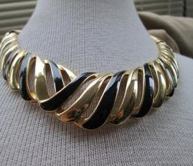 Sale Vintage Black and Gold Swirl Necklace